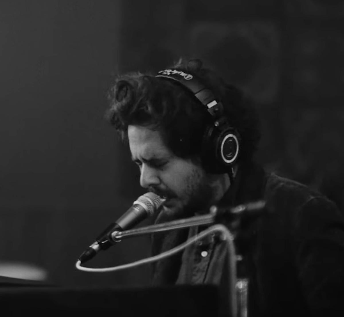 Matt Holubowski - Around Here (Live Studio Mixart)