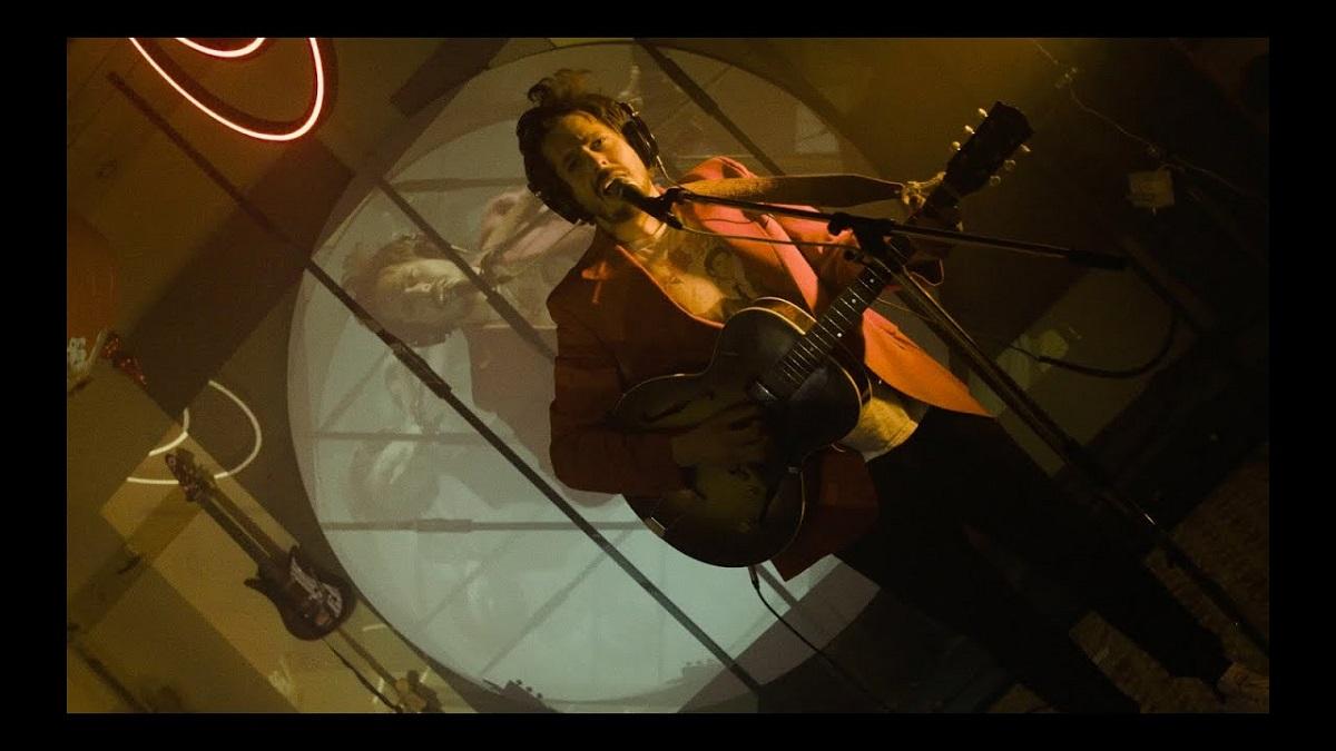 Matt Holubowski - Eyes Wider (Live Studio Mixart)