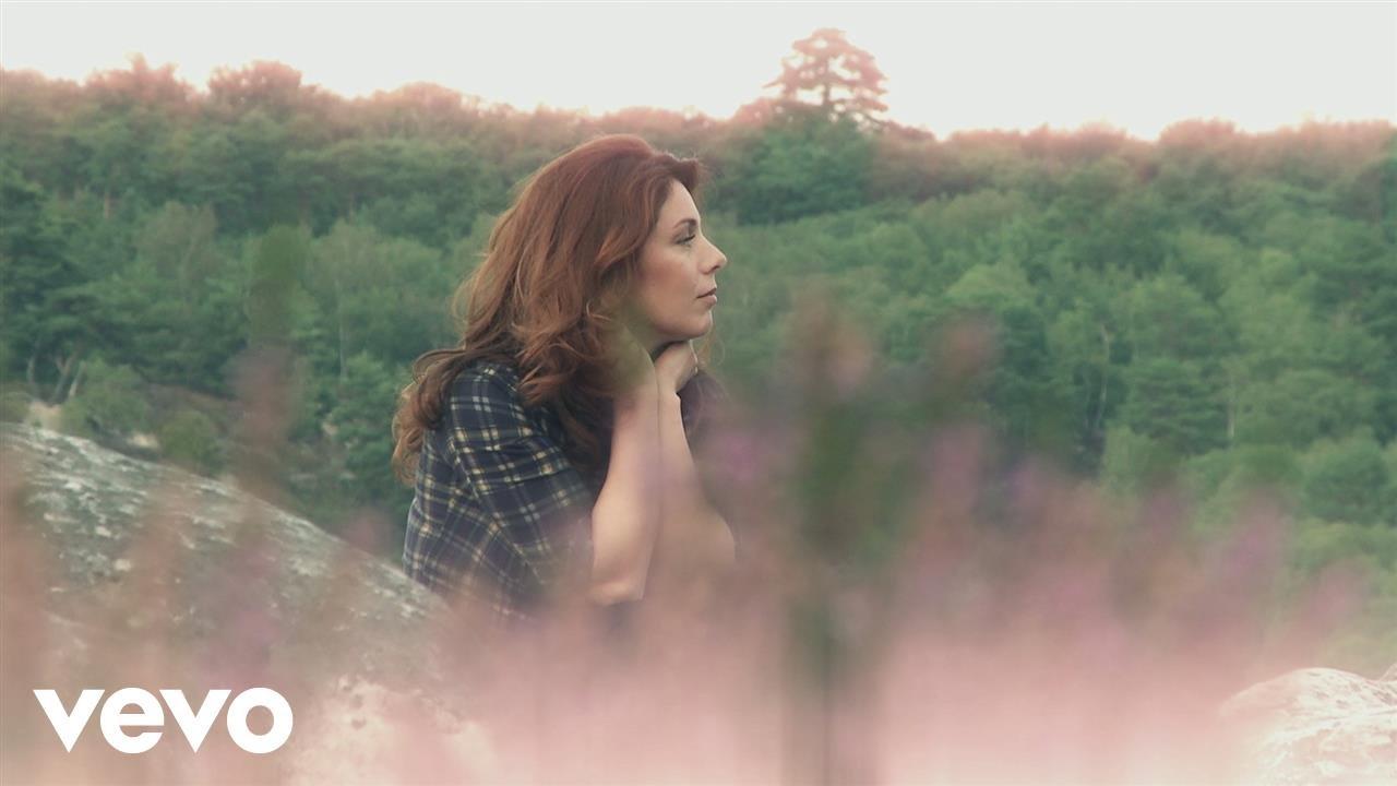 Isabelle Boulay - Fin octobre, début novembre (Clip officiel)